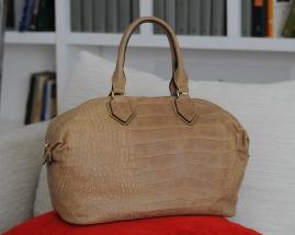 italian-style-handtaschen-modell-cuscino-kroko-beige